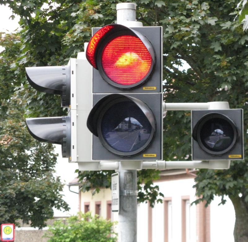 Ampel mit Busvorrangschaltung in Karlsruhe - Grünwettersbach